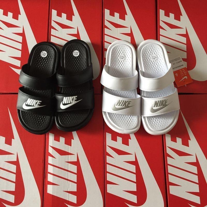 Nike Benassi Swoosh 耐吉拖鞋黑白字母拖鞋雙綁帶情侶款
