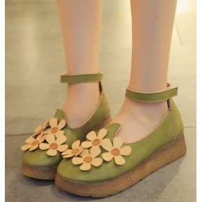 森女涼鞋女夏文藝復古圓頭鏤空娃娃鞋平底松糕淺口單鞋花朵小皮鞋