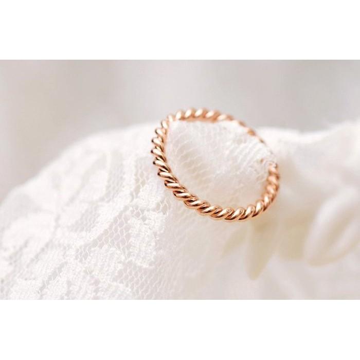 韓國18k 玫瑰金ZOE 同款麻花鈦鋼戒指顯白不褪色可洗澡小安貓咪曬月亮水莎Meier Q