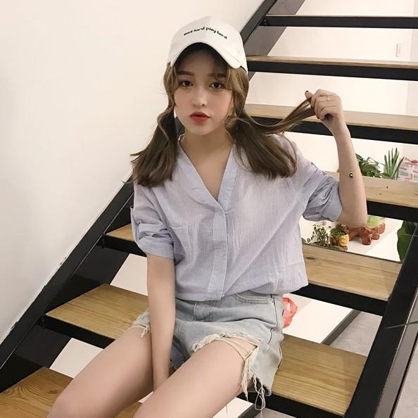 正韓女生大碼衣著寬松百搭學院風條紋棉麻中袖襯衣