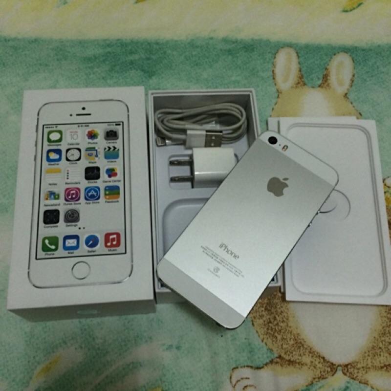 ~Iris ~Apple iphone 5S 32G 銀白色9 成新 正常 女用機限面交
