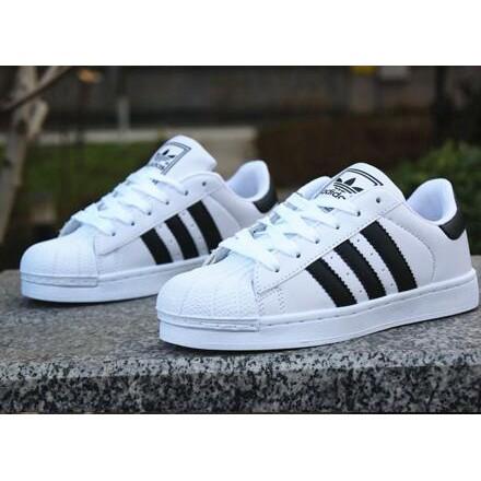 正品 adidas 愛迪達跑步鞋低幫愛迪達 鞋愛迪達休閒鞋三色男鞋女鞋情侶鞋三葉草鞋子