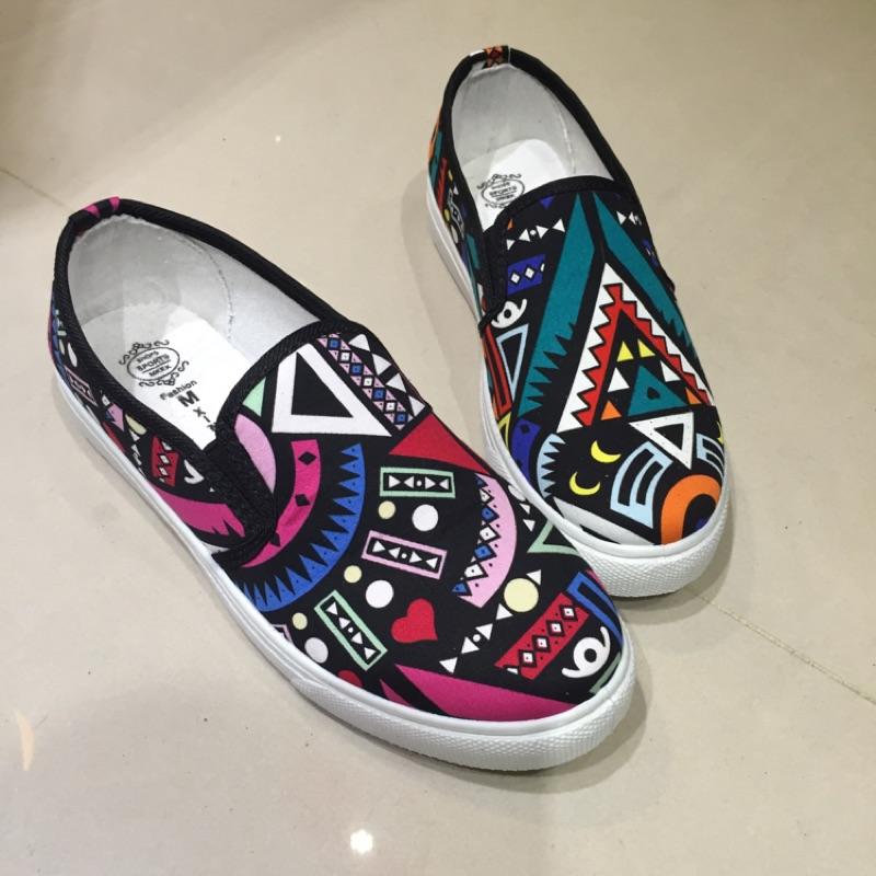 零碼36 民族風圖騰休閒懶人鞋