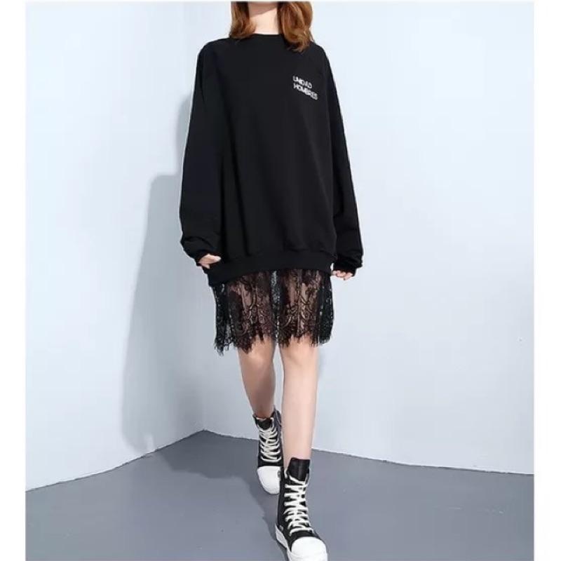 Y2 ™長版英文字母蕾絲裙上衣長袖拼接 不規則上衣剪裁 款大 寬鬆