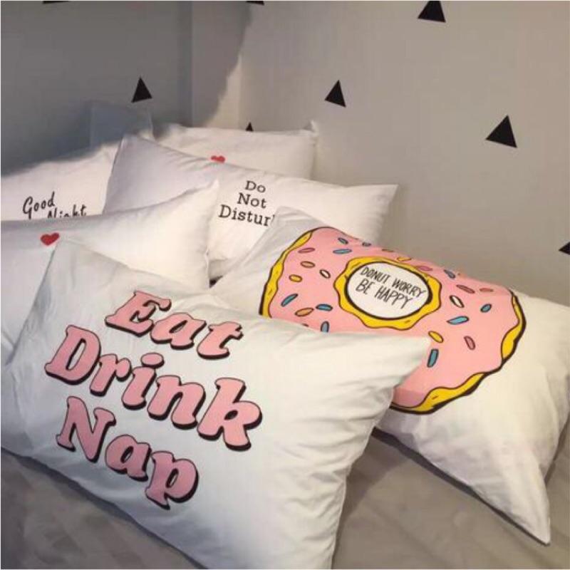 實品拍攝美式風格甜甜圈Eat Drink Nap 粉紅枕頭套辛普森