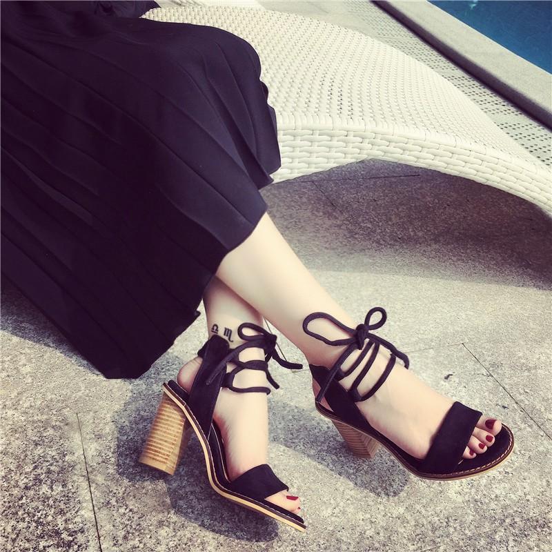風交叉綁帶粗跟羅馬涼鞋露趾繫帶高跟女鞋黑卡其