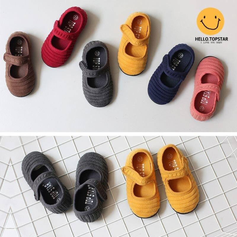 [ ] 紅26 碼一雙TS 中性款6 色黏貼月兒繡帆布鞋