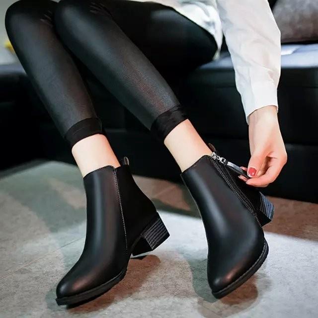 貝蒂舖 女鞋馬丁靴英倫風女尖頭低跟女短靴及裸靴平底女靴子