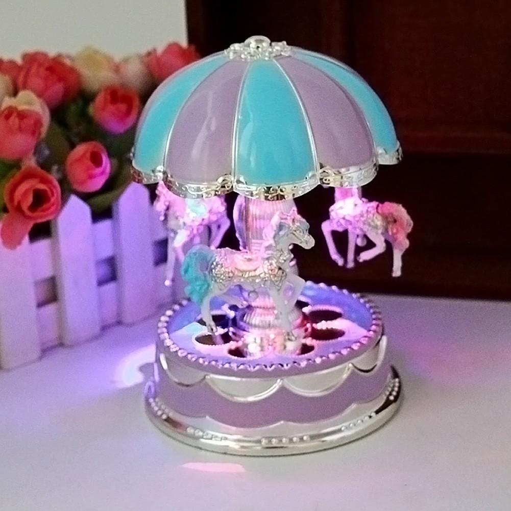 圓頂旋轉木馬音樂盒 玩具 帶燈八音盒兒童節朋友生日 (顏色 )