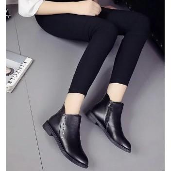 春秋英倫鉚釘圓頭平底馬丁靴潮中跟及裸靴粗跟短筒短靴女靴單靴潮~東京戀歌~
