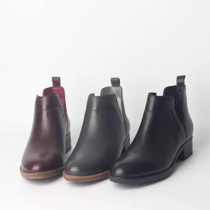2016  側V 真皮短靴牛皮平底透氣會呼吸的鞋百搭V 口圓頭靴休閒女靴馬丁靴