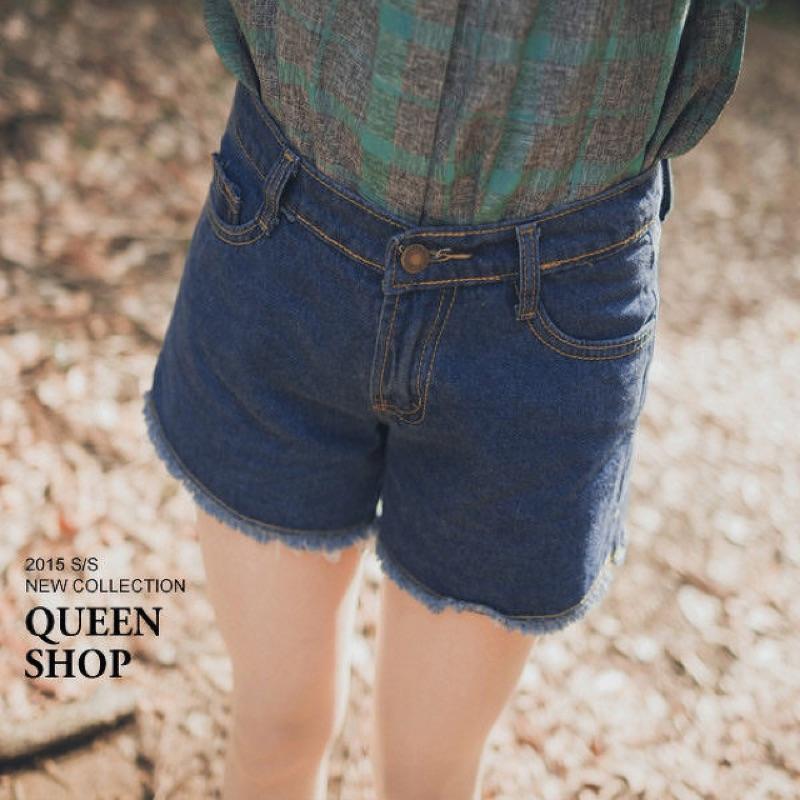 Queen shop 側開衩抽鬚牛仔短褲s 號