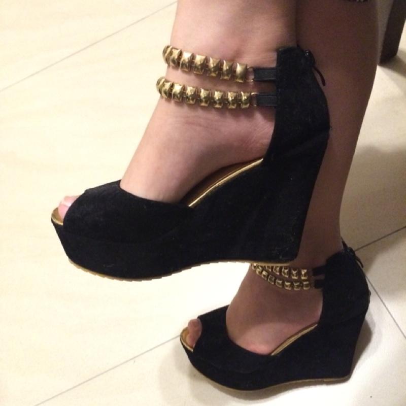 露趾金屬鏈厚底楔型鞋35 號