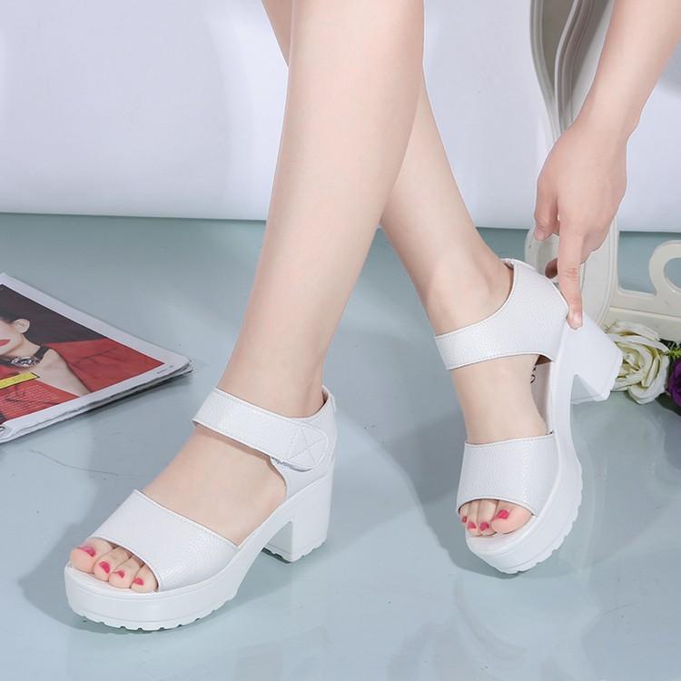 17  白色松糕魚嘴女涼鞋坡跟厚底粗跟女鞋魔術貼百搭學生鞋