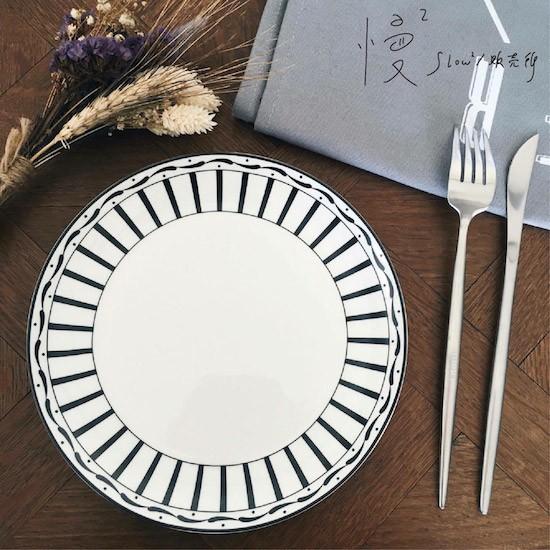 ~ ~ZAKKA 雜貨餐盤盤子北歐 黑白相間8 寸骨瓷盤牛排盤西點盤
