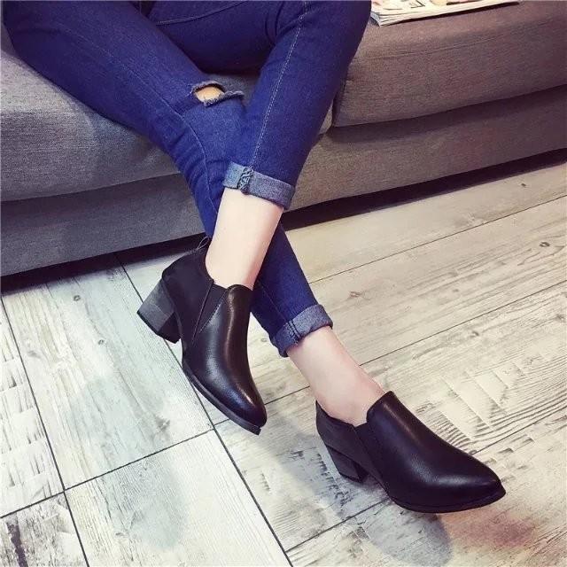 馬丁靴潮女短靴子春秋單靴真皮女靴粗跟踝靴尖頭中跟裸靴女鞋
