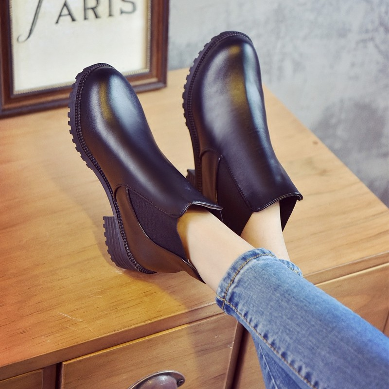 ~藝訪依閣~單靴女 平底馬丁靴女英倫風春秋單靴學生粗跟短靴女靴