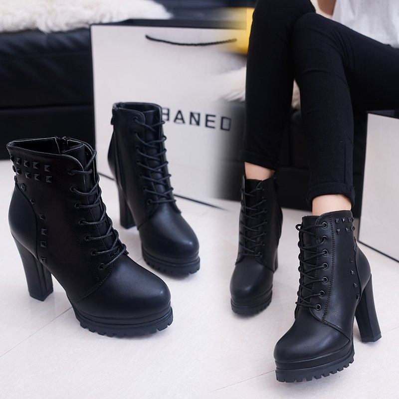 ~千惑衣閣~短靴女百搭粗跟高跟皮靴 鉚釘拉鏈女靴 馬丁靴英倫風潮