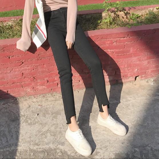 NB ▶牛仔褲▶ 實拍 顯瘦褲腳毛邊黑色牛仔褲女高腰提臀長褲修身小腳褲 潮流 學生韓國 款