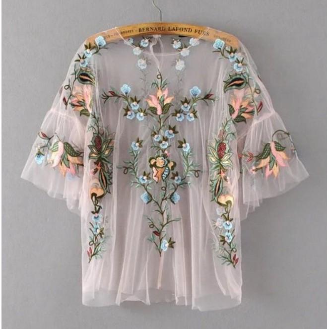 LF7941 外貿原單2017 新品彩色花朵枝葉刺繡喇叭袖中袖透視感網紗圓領上衣