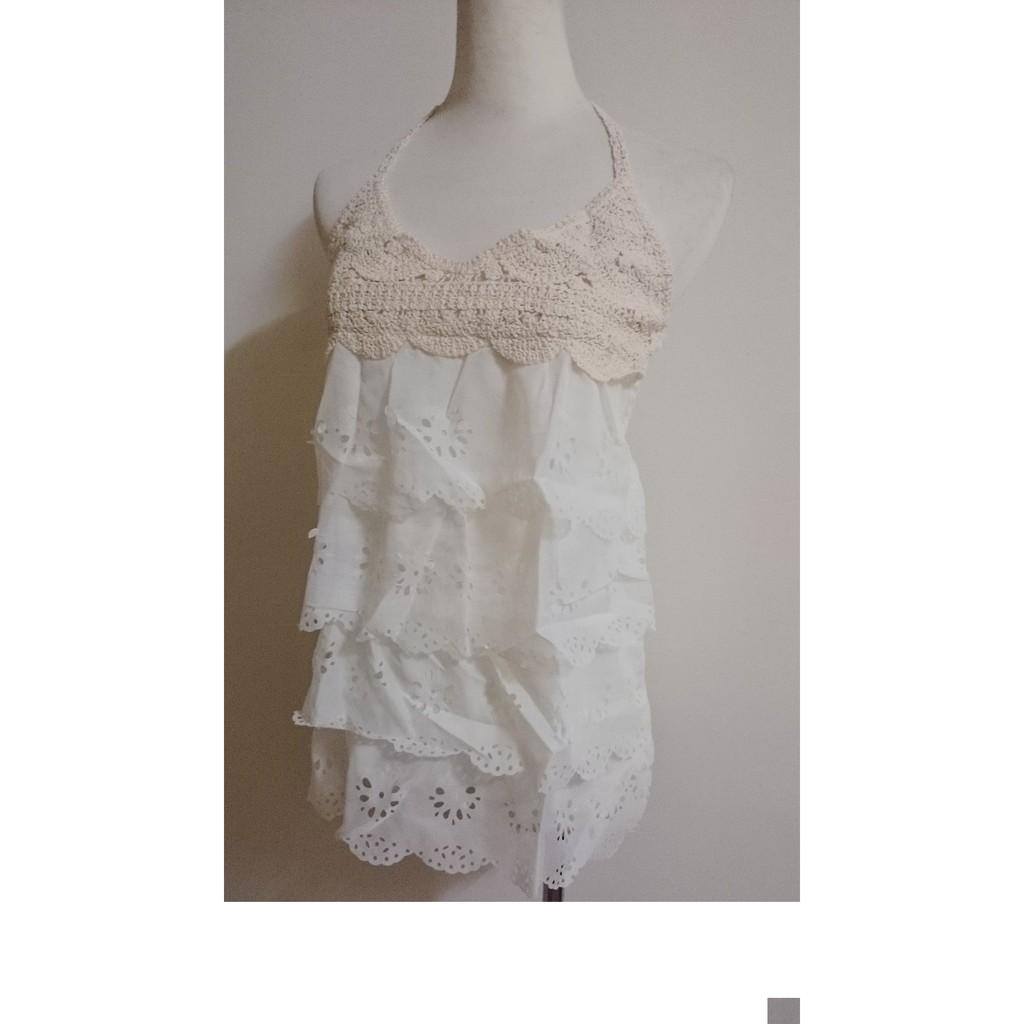 米白色V 領低胸繞頸綁帶鬆緊荷葉邊鏤空洞洞薄透編織長版上衣小可愛內搭外罩衫蛋糕層次休閒百搭