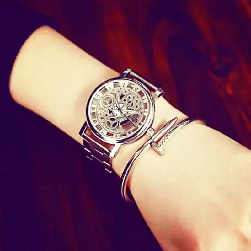 金屬鏤空類機械錶銀色