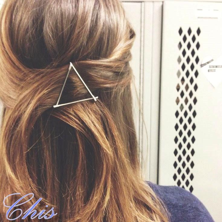 Chis Store ~簡約金屬三角髮夾~韓國 極簡封簡單鏤空幾何三角形結構主義髮夾NDF