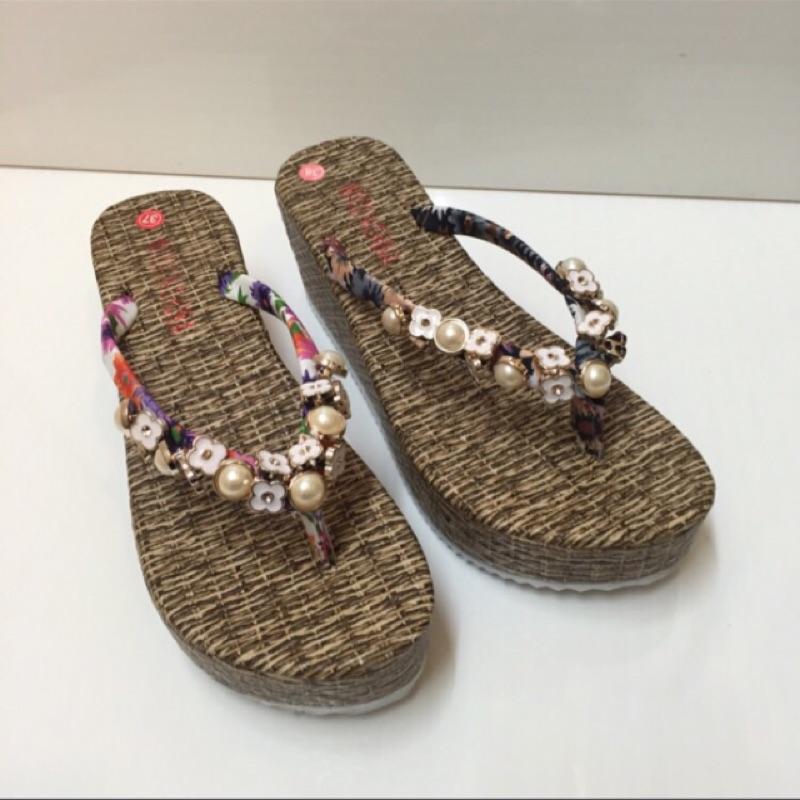 (換季零碼 賣) 百搭花朵珍珠 海洋風夾腳厚底拖鞋款售價299 , 190 ( 實拍)