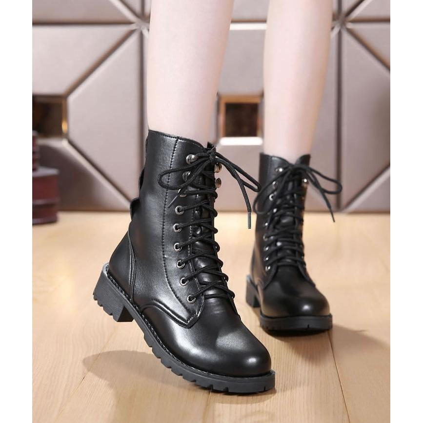 中筒長筒繫帶軍靴馬丁靴黑色百搭超輕量 499 元軍靴馬丁馬汀