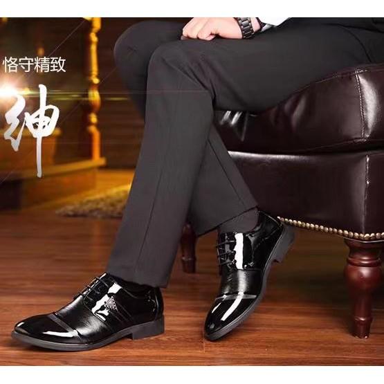 2017 年 商務鏤空皮鞋男英倫 男鞋尖頭透氣正裝男士系帶鞋子
