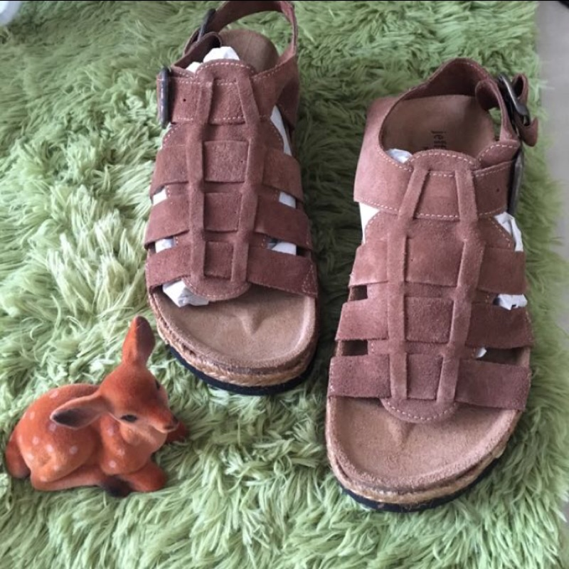 西班牙品牌Jeffrey C bell 焦糖色麂皮草編厚底勃肯風涼鞋