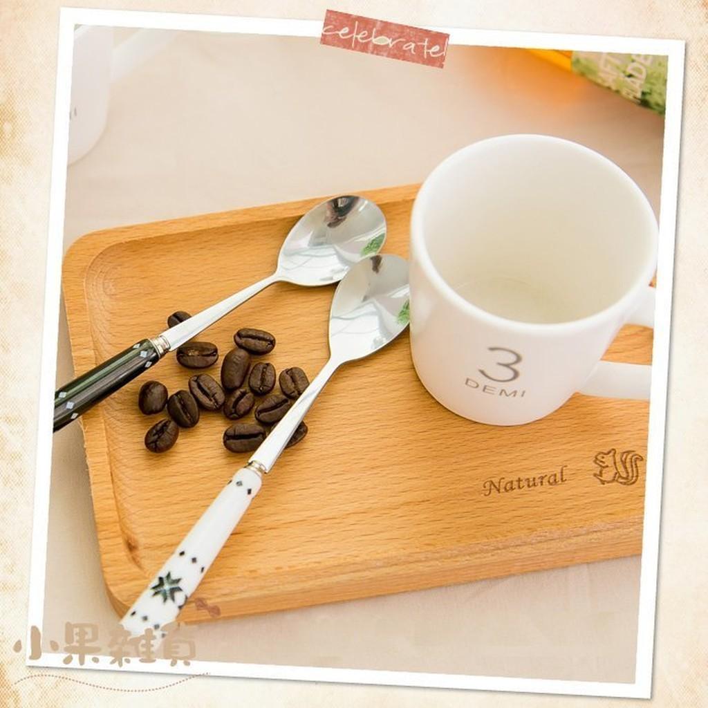 ~小果雜貨~~Zakka 鄉村原木方形小托盤~櫸木刻花實木餐盤點心盤水果盤和紙膠帶杯墊收納