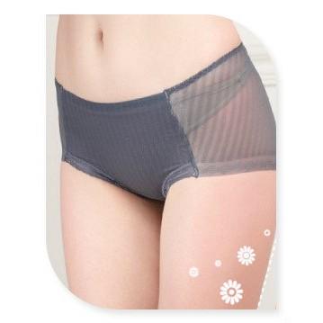 製⭐超薄鎖邊無痕包臀提臀版型 中腰內褲6687