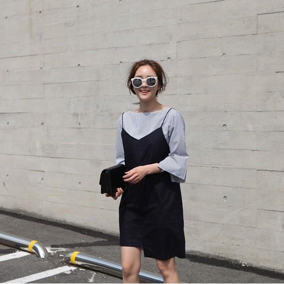 韓風細條紋圓領襯衫黑色細肩不對稱裙