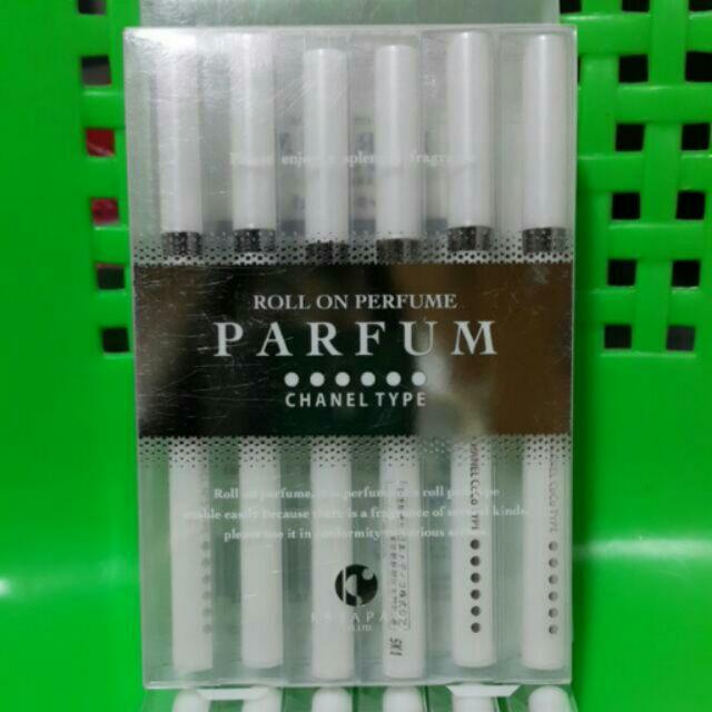 情人節送禮 免稅店香奈兒CHANEL TYPE 滾珠式香水筆白色簡單版 黑色精裝版需