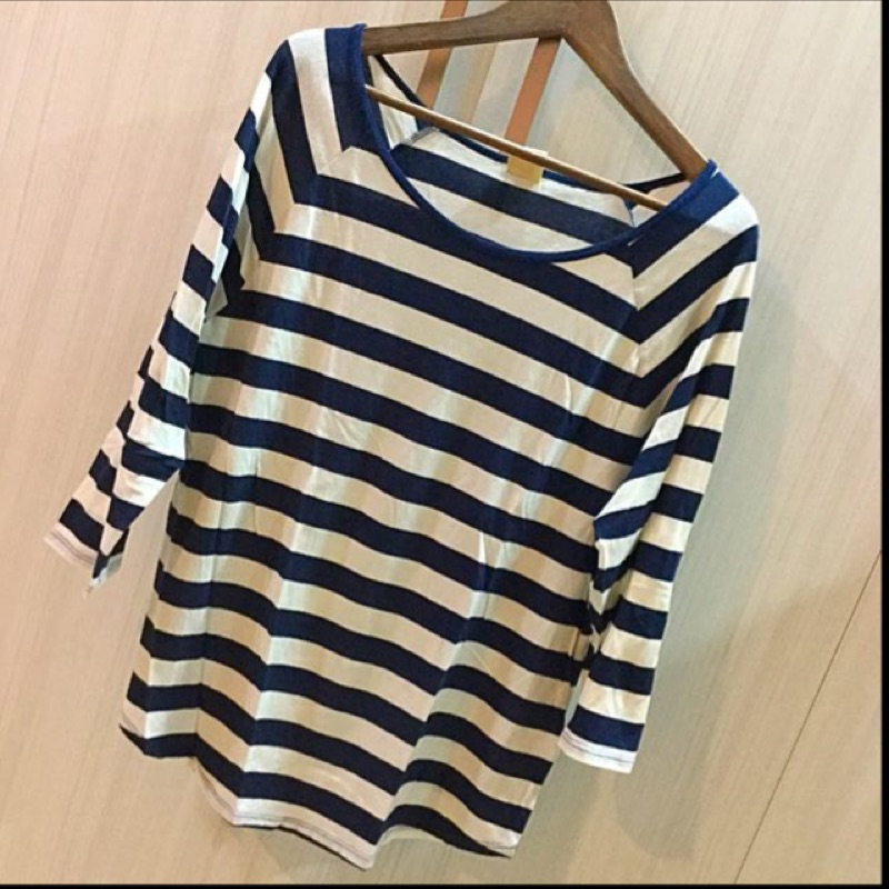 軟綿綿的海軍風藍白橫條紋上衣春夏 (2 件300 )美國帶回還有同款深藍色