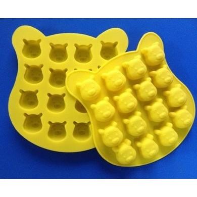 矽膠16 連孔維尼熊熊 皂模冰塊布丁模果凍模巧克力模黏土 藝材料