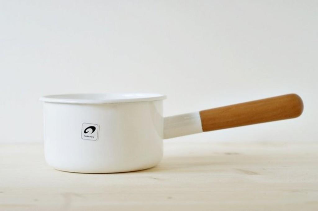 偶拾小巷 製野田琺瑯POCHKA 白色牛奶鍋12cm