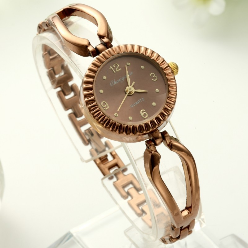 2016 年復古金色女士鏤空手鐲鏈腕錶圓形錶盤數字手錶