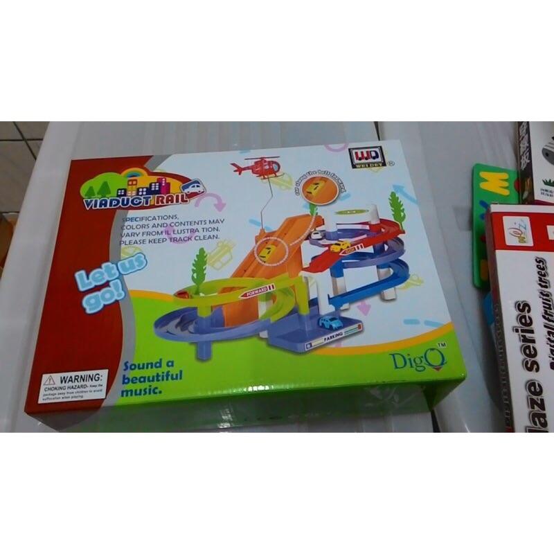 音樂電動軌道車玩具組(附直升機)