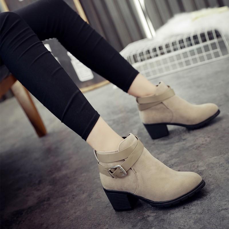 2016  短靴女低跟圓頭馬丁靴扣帶粗跟英倫復古裸靴切爾