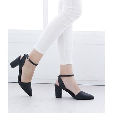 ~B03 321 ~ 極簡方粗跟帶扣繫踝高跟涼鞋.2 色. 690