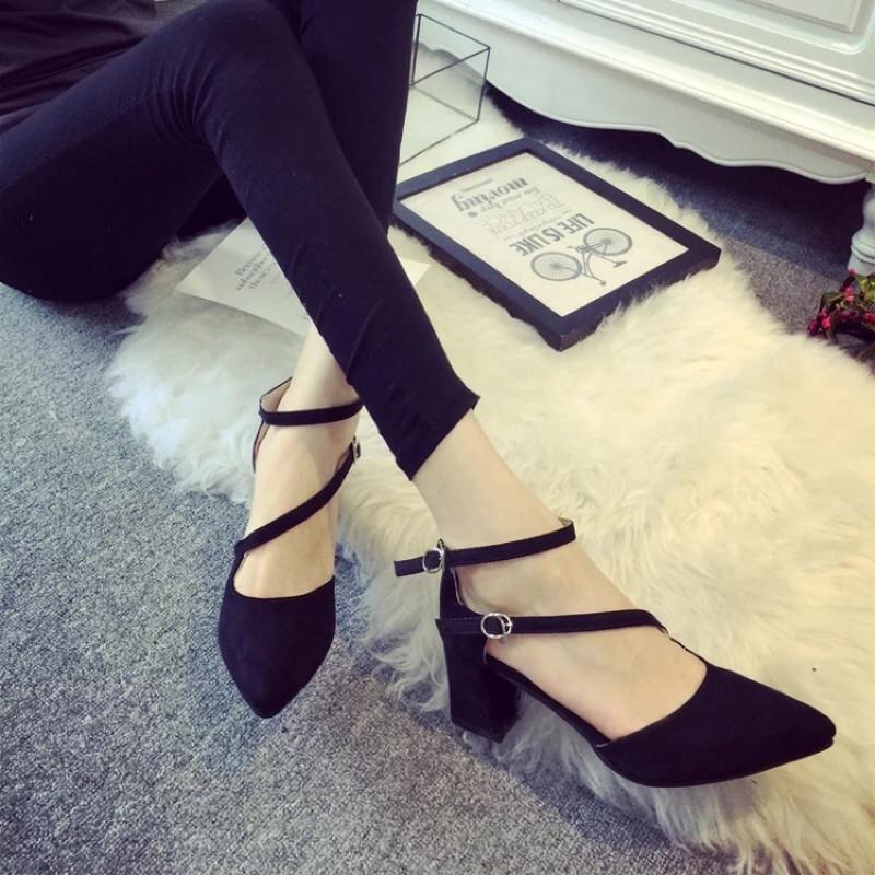 女涼鞋高跟尖頭 一字搭扣粗跟 潮鞋女鞋子