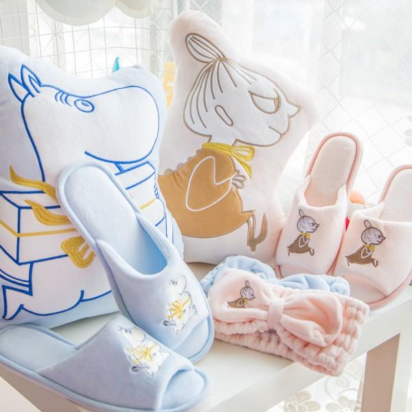 日單Moomin 嚕嚕米亞美刺繡抱枕毛毯空調毯靠墊家居拖鞋束髮帶