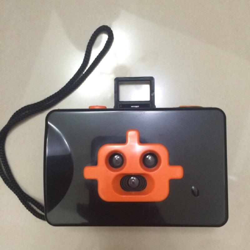 三眼鏡頭機器人️傻瓜底片相機