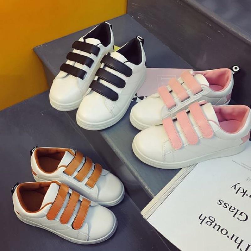 百搭透氣小白鞋平底魔術貼休閒板鞋