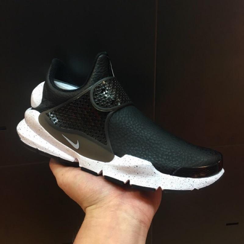 Sale sneaker sock dart 黑白防水皮革潑墨女版男版小size 8111