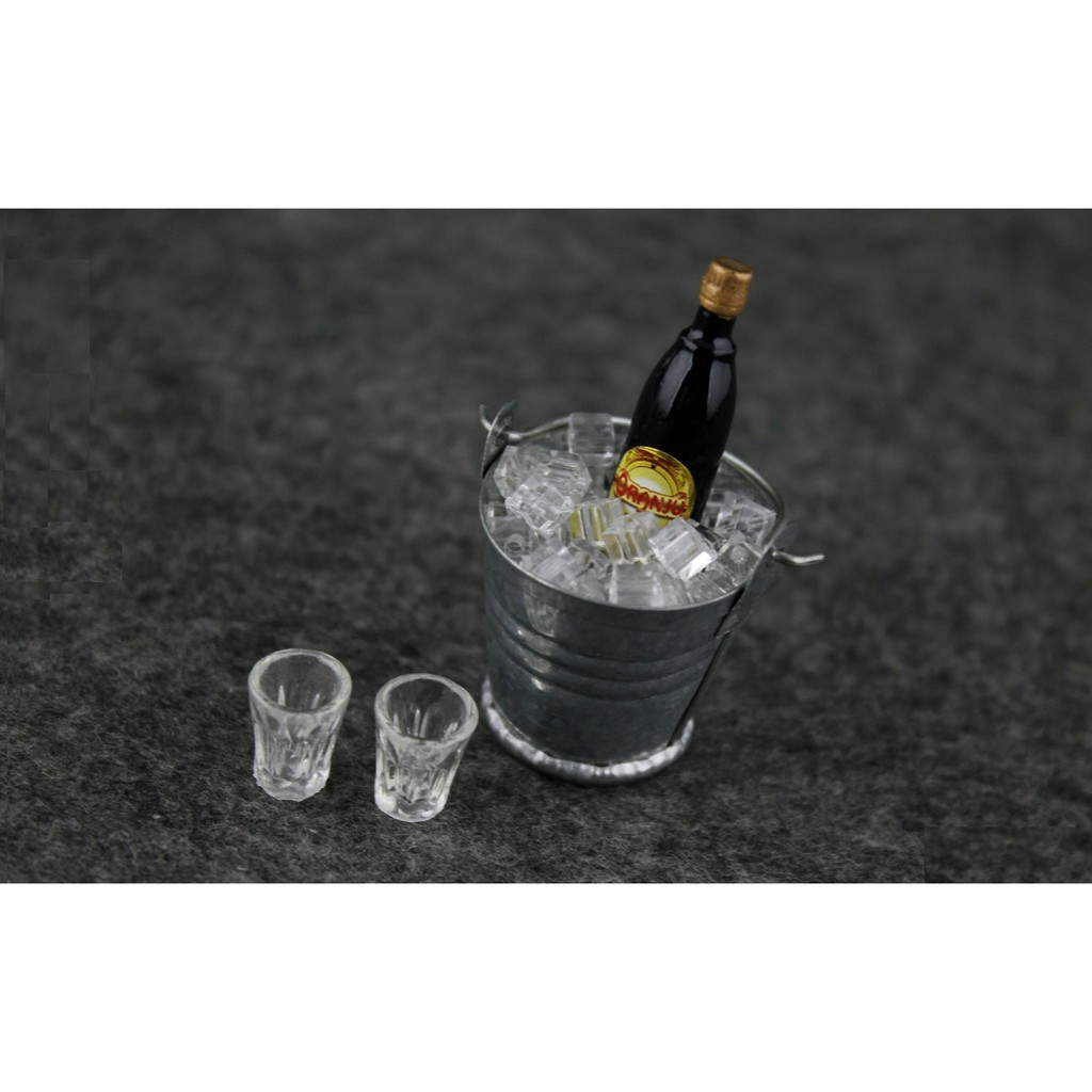 熊拍賣~冰鎮甘露酒組~1 6 紅酒葡萄酒12 吋人偶背景場景 威士忌伏特加 香檳