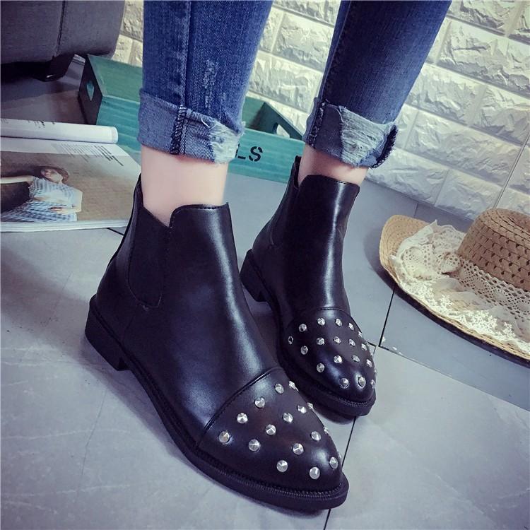 2016 秋 粗跟馬丁靴子潮女短靴單鞋尖頭鉚釘及踝靴中跟棉靴
