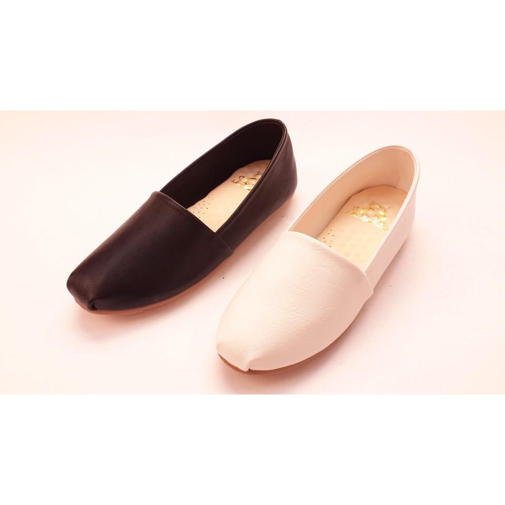 女款素面漆皮豆豆鞋休閒百搭平底包鞋帆船鞋平底鞋娃娃鞋 白黑